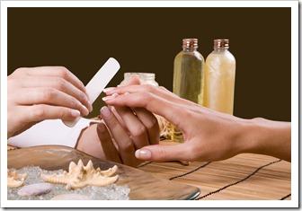 Почему отслаиваются наращенные ногти?