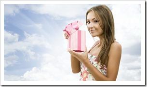 Выбор подарка молодой девушке, который обязательно покорит ее сердце!