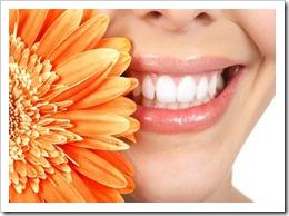Безопасное отбеливание зубов под контролем специалистов.